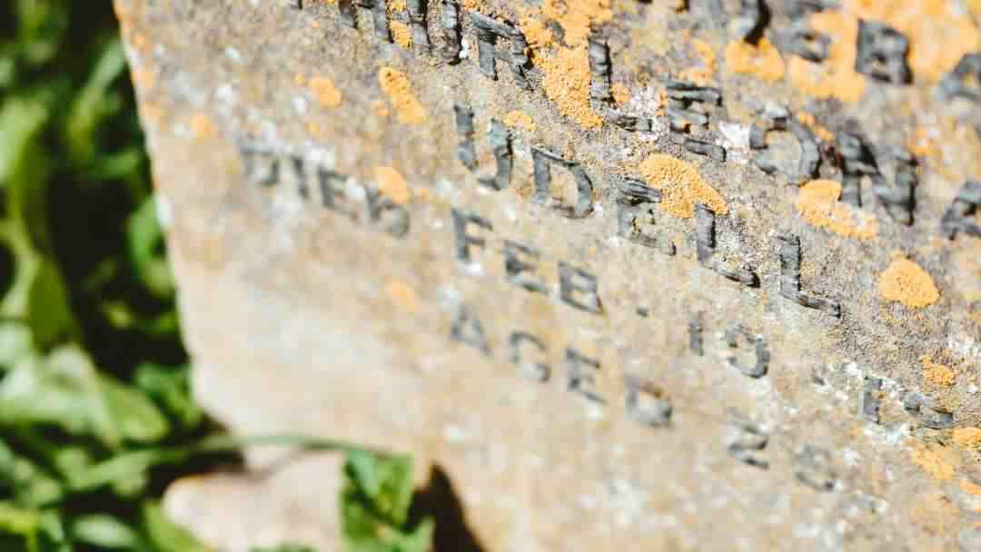Old headstone inscription