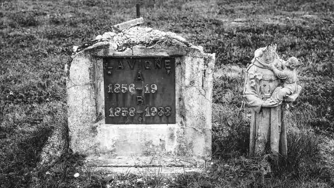 Old gravestone with husband wife inscription